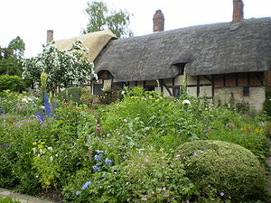 Gardens at Anne Hathaway's house, Stratford-up...